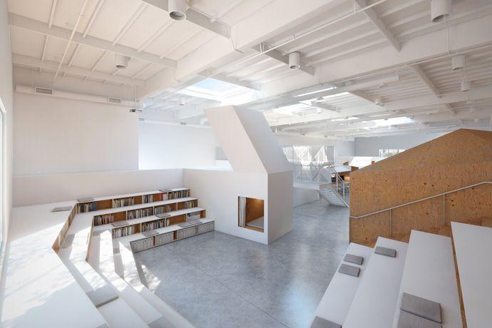 Hybrid office by Edward Ogosta Architecture