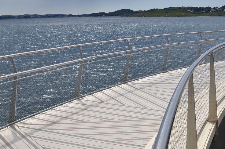 Footbridge, Håhammaren, Hafrsfjord Design: Karen Hatleskog Zeiner, construction: Jo Gaute Fornes (Multiconsult)