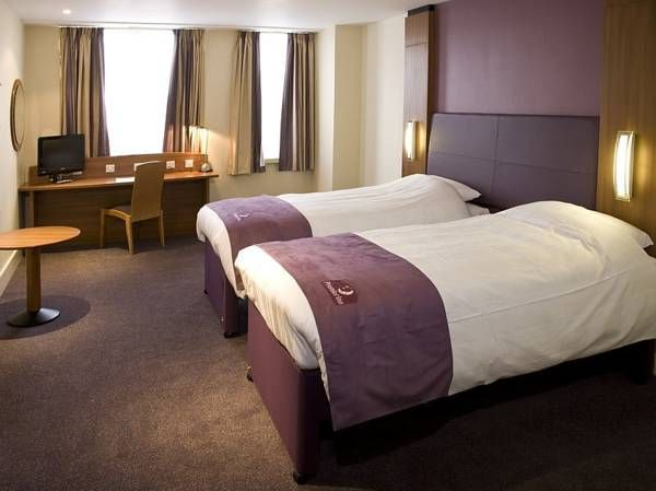 Hotel Premier Inn London Blackfriars - London ... #Hotel, #Hotels, #SpecialOffers, #HotelDirect, #HotelGuide, #BestHotels ... Welcome to Hotel Premier Inn London Blackfriars (Fleet Street) London, Based in the heart of London and just 350 meters from London Blackfriars Underground Station, Premier Inn London Blackfriars features contemporary accommodation and an on-site restaurant. St Paul's Cathedral is less than...