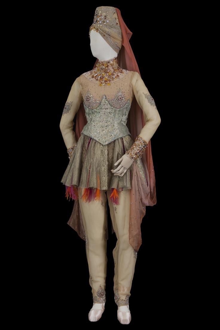 Costume de Dadje Bellet. Christian Lacroix