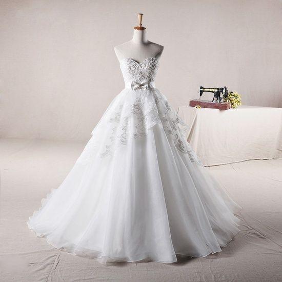 Sweetheart Ball Gown Tulle wedding dress - beautiful!