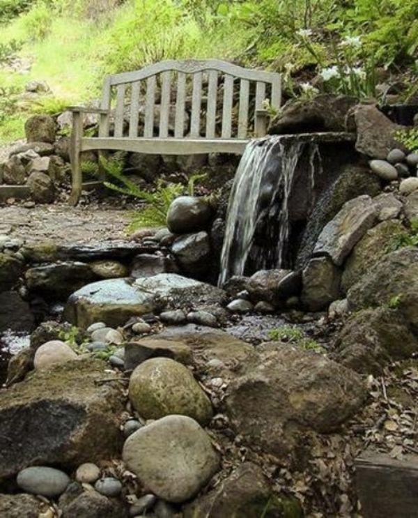 Cascade et  fontaine de jardin , 69 déco pour les moments de relaxe - fontaine-cascade-aves-un-banc-vintage-style