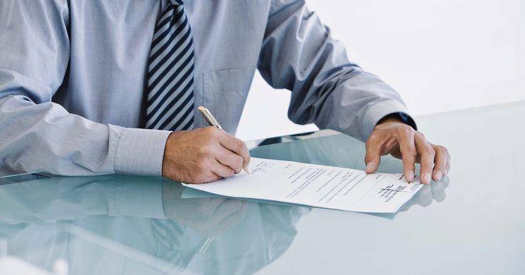 Como escrever uma carta a um reitor. Existem muitos motivos para se escrever uma carta a um reitor. Você pode estar se inscrevendo para uma pós-graduação, pode querer fazer uma entrevista para um jornal local ou realizar um esclarecimento quanto a uma política ou procedimento da escola. Não importa qual o motivo, escrever uma carta a um reitor requer que você siga o formato de uma ...
