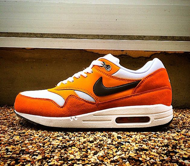 Nike Air Max 1 Essential - White / Medium Ash - Kumquat