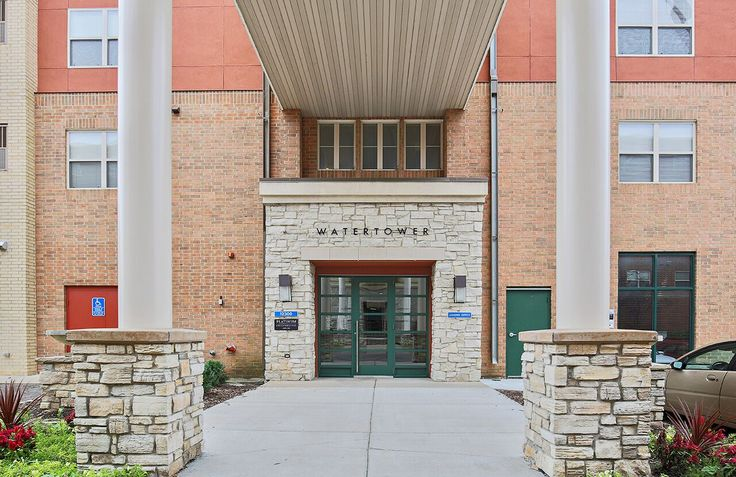 Come lease one of our luxury apartments! Our Leasing Consultants would be happy to help! #ArriveWatertower #EdenPrairie