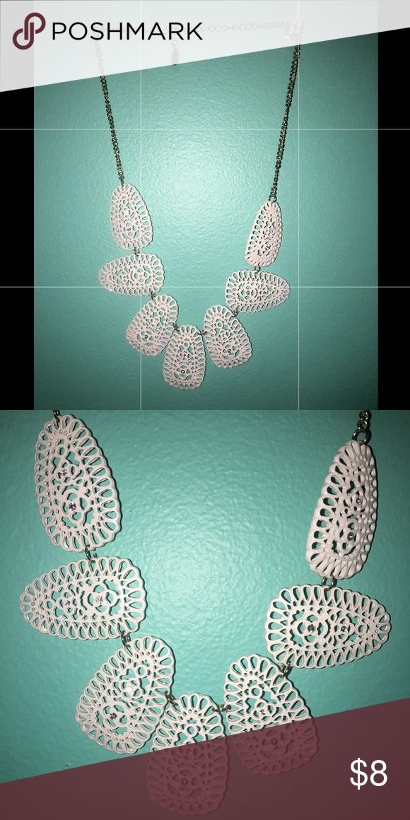 White Statement necklace Bought a while ago and worn once, great for chunky sweaters in winter or high neckline dresses Jewelry