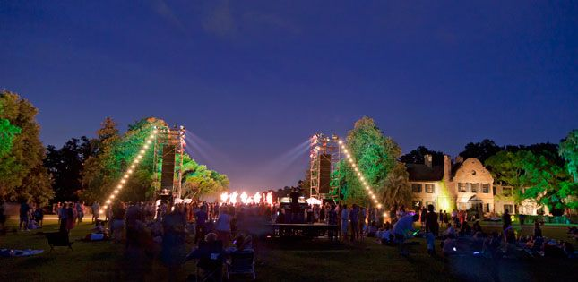 The all-day finale at Middleton Place Plantation is perhaps the best event you can enjoy during the 17-day arts festival Spoleto in Charleston, South Carolina. Live music, gourmet picnic foods, a beer garden, and fireworks are just a few of the highlights!