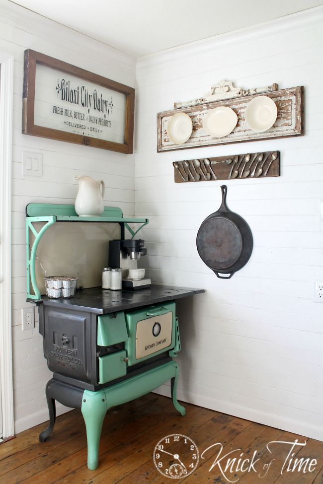 Best of DIY Link Party of the Year & a Rustic Farmhouse Recipe Holder - Knick Of Time