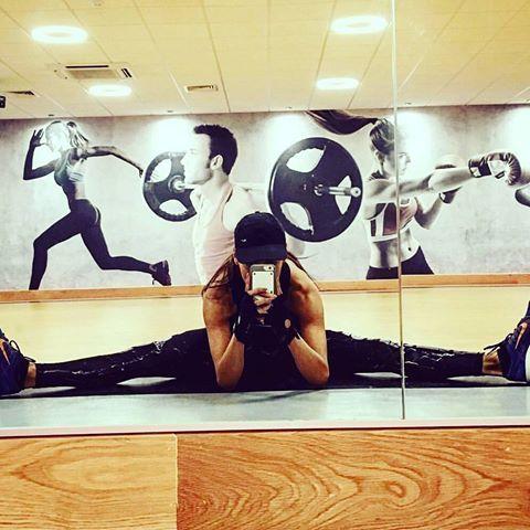 Beautiful 💪 #flexibility 💖👌 by @iamlilyane!😍 #splits   ______________________________________  #girlsthattrain  #nevergiveup #work #motivation #BEMOTIVATED #gymmotivation #fitgirls #fitspo #success #fitness #bestrong #fitnish #girlswholift #fitnessgirls #model  #fitnessmotivationdaily #fitfluential