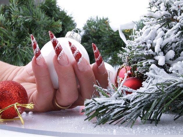 Nail art Jule negle - Nail Art Christmas by nail4you - Nail Art Gallery nailartgallery.nailsmag.com by Nails Magazine www.nailsmag.com #nailart