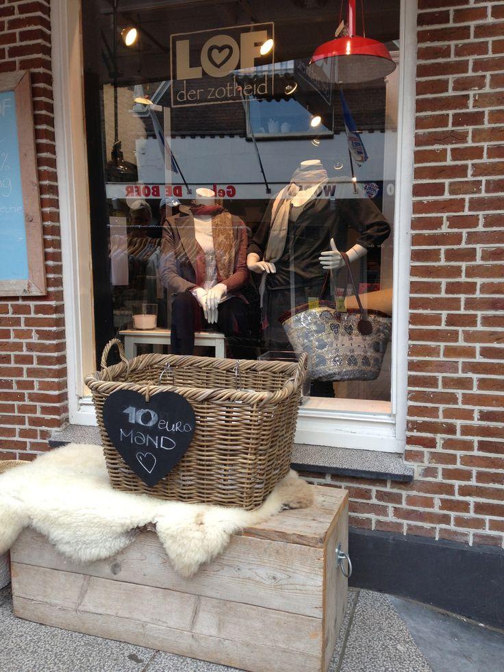 Lof der Zotheid in Joure www.leveninfriesland.com