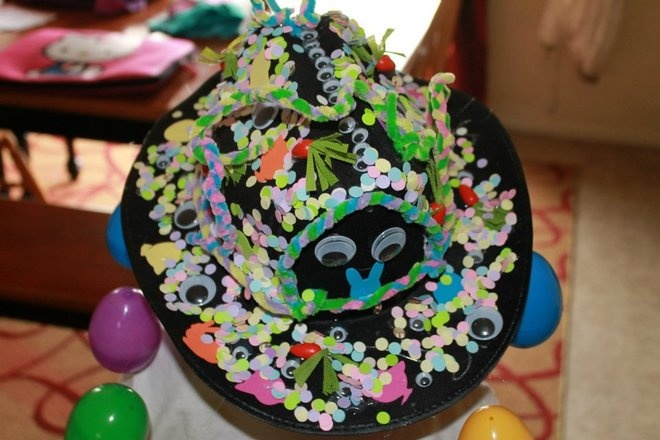 Crazy easter hat: Crazy Hats, Contest 2012, Crazy Easter, Picasso Contest