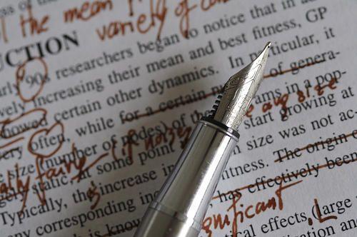 Ecco un elenco dei post contenenti mie riflessioni sull'arte di scrivere. Non voglio essere d'insegnamento a nessuno, ma condividere è bello. Premesse. Strumenti di scrittura. Consapevolezza e arte...