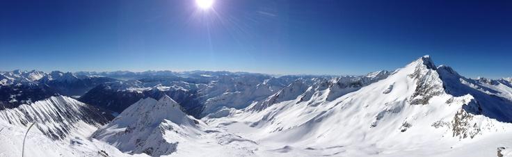 Skitouren auf 3000der - der Winter im Ahrntal ist wunderschön - gratis dabei: die wunderschöne Fernsicht.