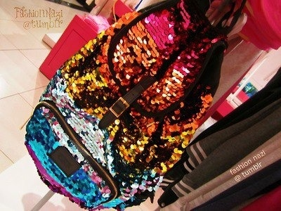 Victoria's Secret bag! Kenzie this is so cute!