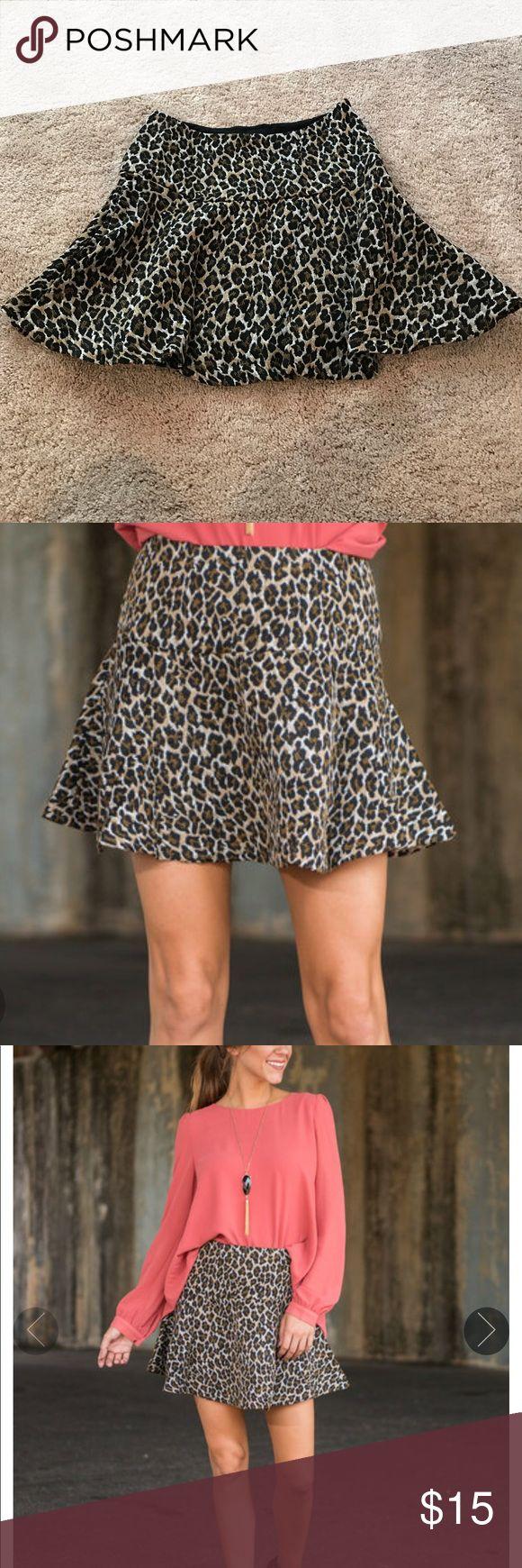 Cheetah skirt Brand new cheetah skirt, size small. Side zipper Skirts