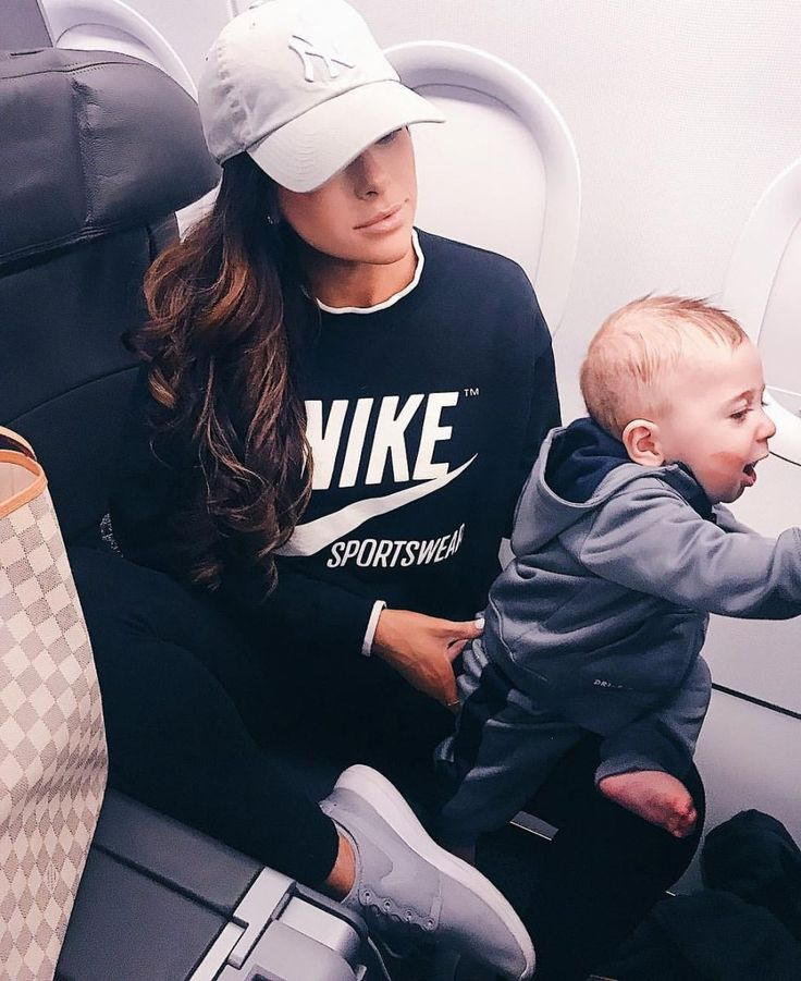 December & January Mega Insta-Recap – The Sweetest Thing. Black Nike Sweatshirt Grey Tennis Shoes, Women's Nike Roshe Two Casual Shoes  NY Gray Cap   airport outfit, long flights fashion, what to wear for a long flight, plane outfit.