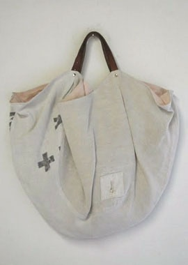 cool tote to DIY?? les habits neufs +