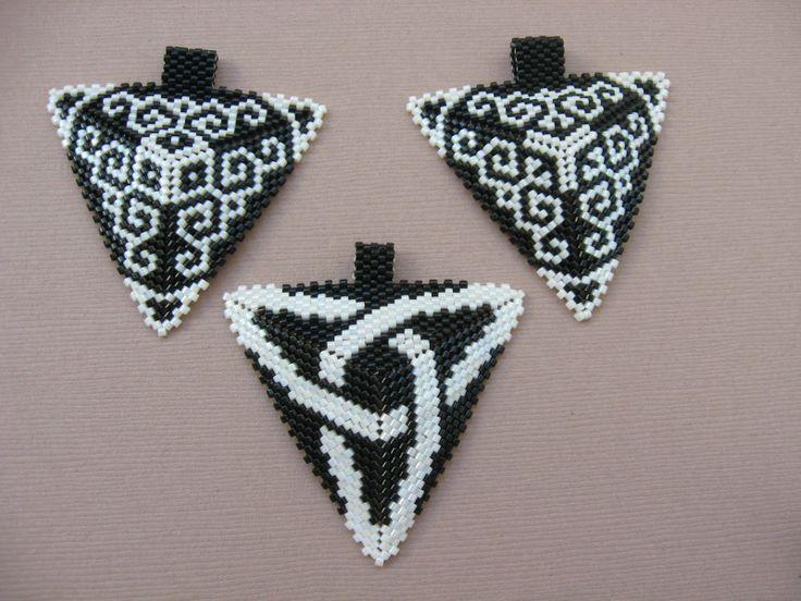 KIKI Beads: Black white peyote triangle pendants - pendants
