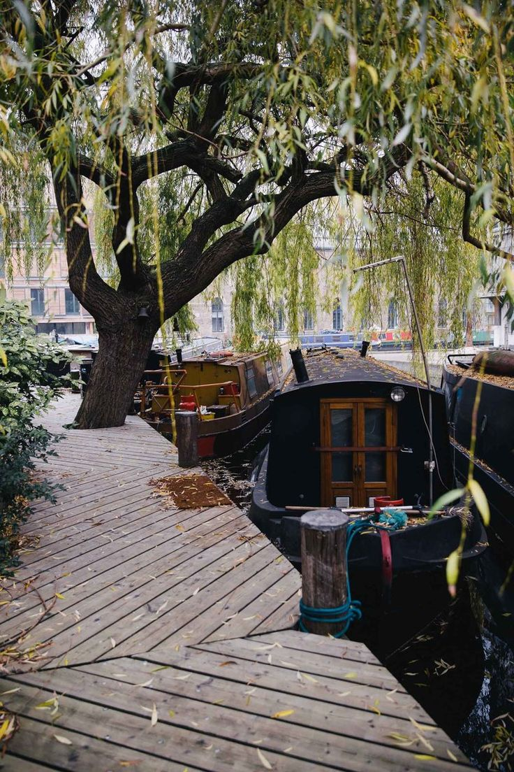 canal boat houses