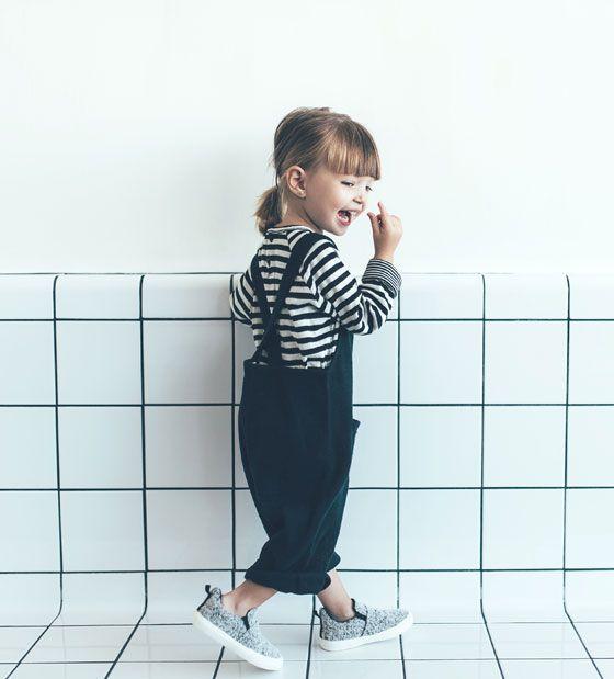 Image 1 de Salopette brodée et poches de Zara