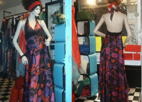 """vestido+extra+large+flores+:+...y+akí+otro+clásico+de+mis+""""bodas"""",+atado+al+cuello,+corte+bajo+pecho,+y+falda+de+media+capa+largo+hasta+los+pies!!...increible+el+vuelo+que+tiene!! Talla+38/40;+pvp+129.90€ GILDAS+MADRID mas+info+en+www.myspace.com/gildasmadrid+o+mandar+mail+a+info@gildisimas.com  AHORA+TB+EN+FACEBOOK,+BUSCANOS+EN+PAGINAS+POR+""""GILDAS""""+y+hazte+fan+;) RECUERDO+QUE+LOS+DOMINGOS+Y+LUNES+CERRAMOS+POR+DESCANSO horario+de+martes+a+sabado+..."""