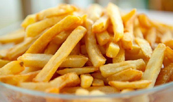 Patatine light alternative alle patatine fritte ma altrettanto buon, oggi Vita da Mamma vi propone una ricetta che rende possibile questa magia di gusto: