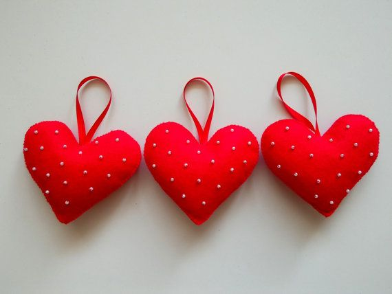 Felt christmas ornament handmade red christmas by RedOgeeSheep #hearts, #homedecor