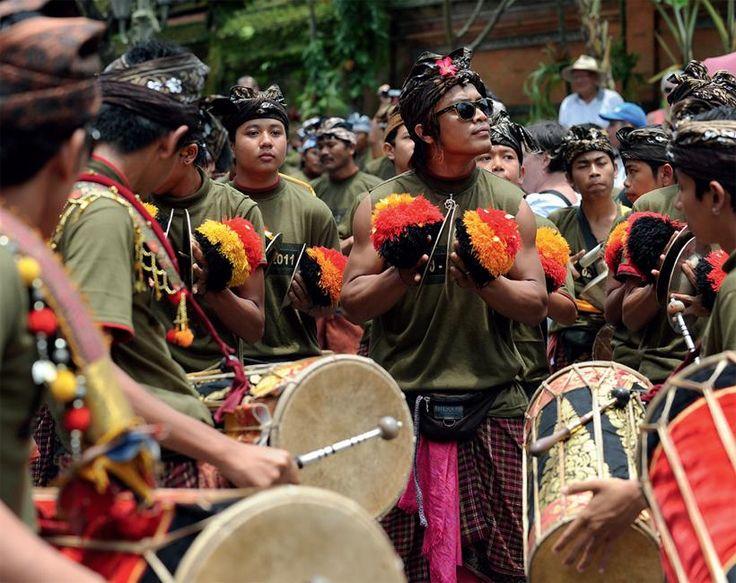 Bali - temppelien ja jumalten saari | Koti ja keittiö  Balin uhkea luonto, ylelliset majapaikat ja ainutlaatuinen henkisyys lumoavat. Hiekkarantojen ääreltä kannattaa vetäytyä riisivainioiden ja pyhättöjen ympäröimään Ubudiin, saaren maagisimpaan kaupunkiin.