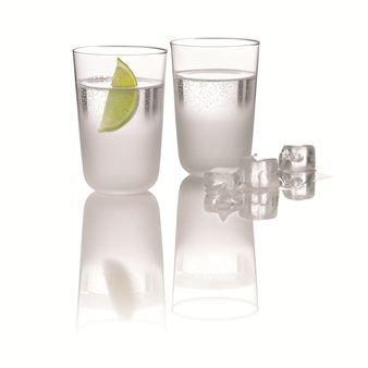 Forst är vackra glas med fin nordisk signatur och design från Stelton. Servera champagne, vin, aperitifer eller vatten på ett elegant och stilfullt sätt med dessa fina glas. I serien Frost ingår även en härlig ishink och en fin karaff som tillsammans skapar en fin glasserie i munblåst glas.