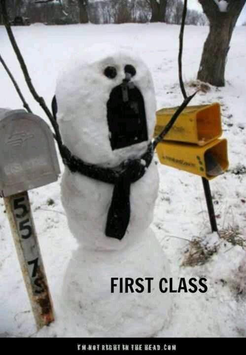 Snowman mailbox.. cleaver