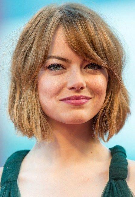 Emma-Stone-Short-Bob-Haircut-with-Bangs-for-Women Beliebte Kurzhaarfrisuren für Frauen 2019 #bobhaircutswithbangs #Shorthairprom