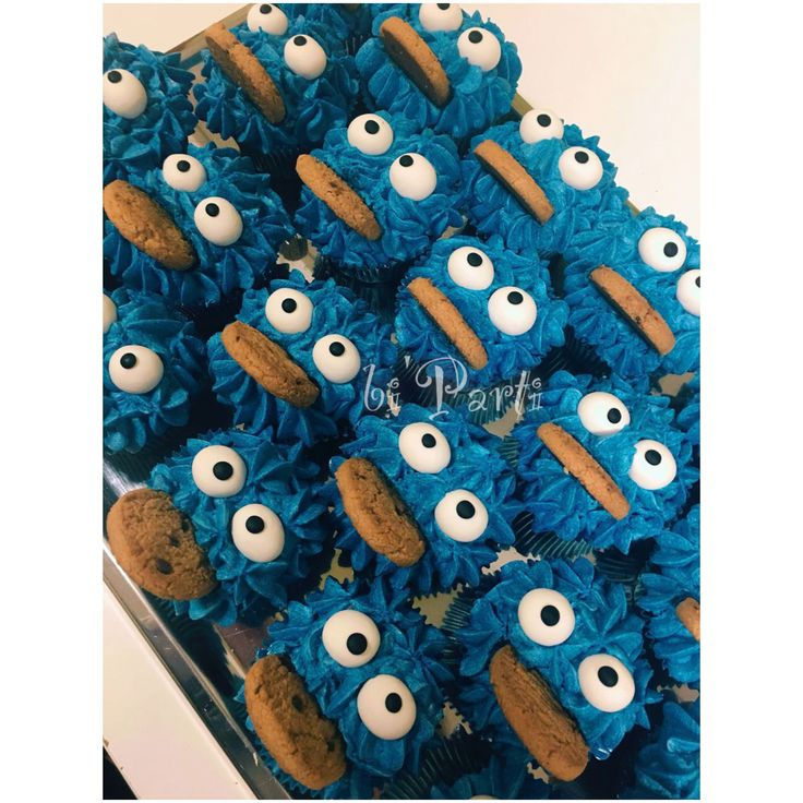 Cookie monster cupcake. Cookie monster party ideas.