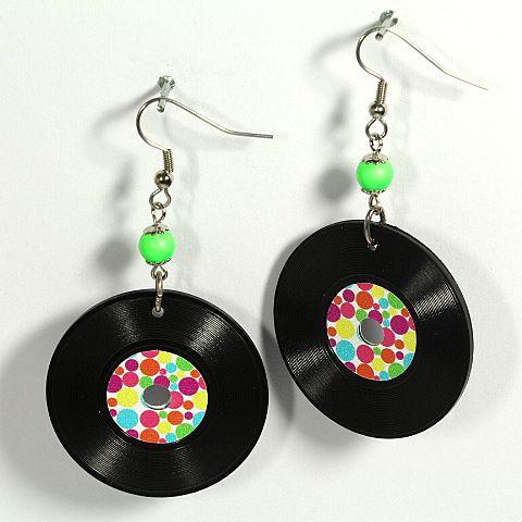 #vinyl_earrings #schallplatten #rocknroll #swarovski #tukadu #ohrringe #platten #lp #berlin #jewelry #schmuck #perlen #diy