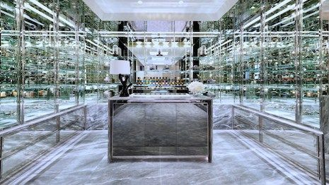 Tom Ford exhibits soft modernism, timeless luxury on Madison Avenue – Rincon Fashion http://www.rincon-fashion.com/2017/06/29/tom-ford-exhibits-soft-modernism-timeless-luxury-on-madison-avenue/