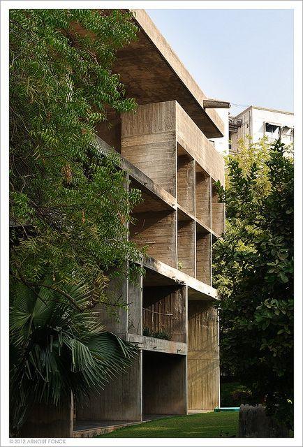 Shodhan house by Arnout Fonck,  architect Le Corbusier 1951-56