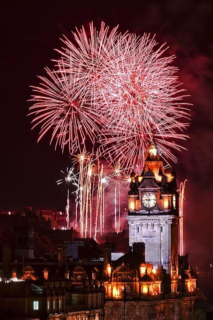 Edinburgh International Festival Fireworks 2011 by Mac Dor, via Flickr