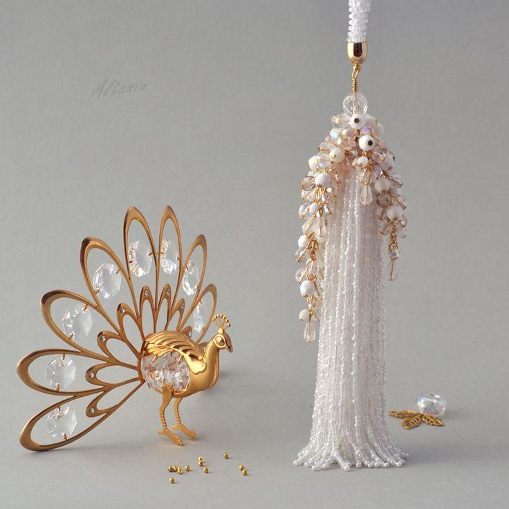 Белое с золотом    biser.info - всё о бисере и бисерном творчестве