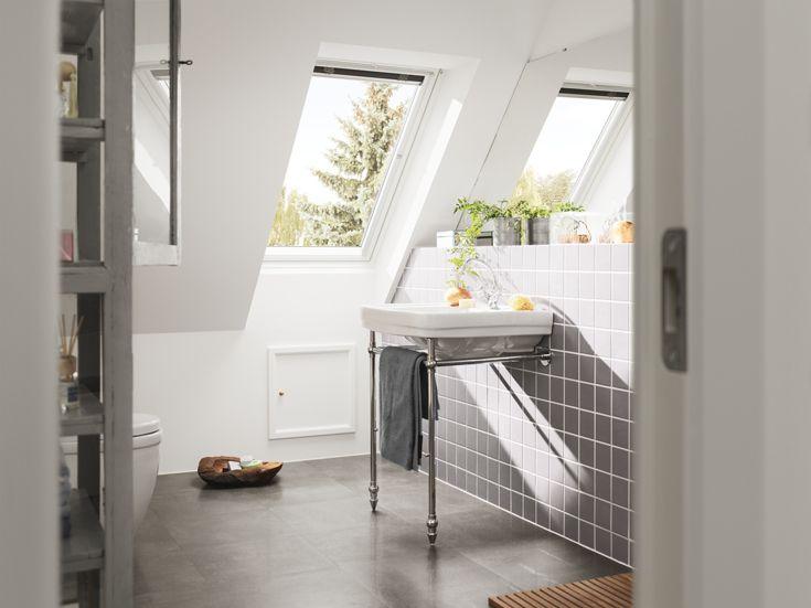 12 best Bathrooms images on Pinterest Roof window, Flat roof and - tageslichtlampe für badezimmer