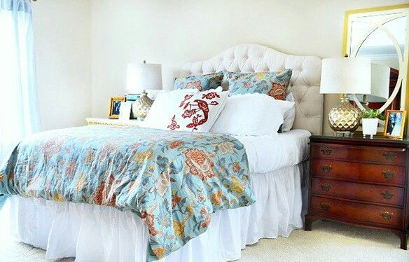 ●Chic Simplicity - Bedrooms are meant to be relaxing respites from the responsibilities in your life, places where you can truly unwind. Heather from At the Picket Fence has made hers just that, and we love the understated elegance of the room