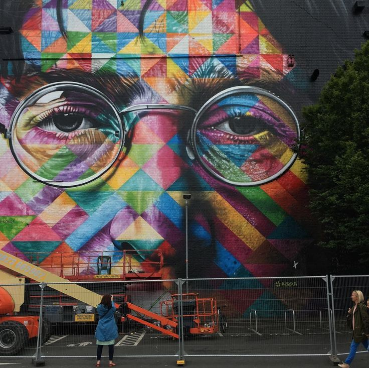 The Beatles Polska: John Lennon czy Harry Potter? Mural w Bristolu