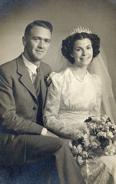 We would love to do a vintage photo. One that looks like the time period that matches the theme of the wedding. very easy editing idea.