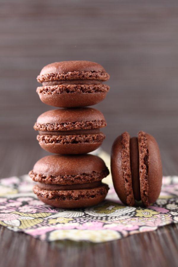 Čokoládové macarons - Recept pre každého kuchára, množstvo receptov pre pečenie a varenie. Recepty pre chutný život. Slovenské jedlá a medzinárodná kuchyňa