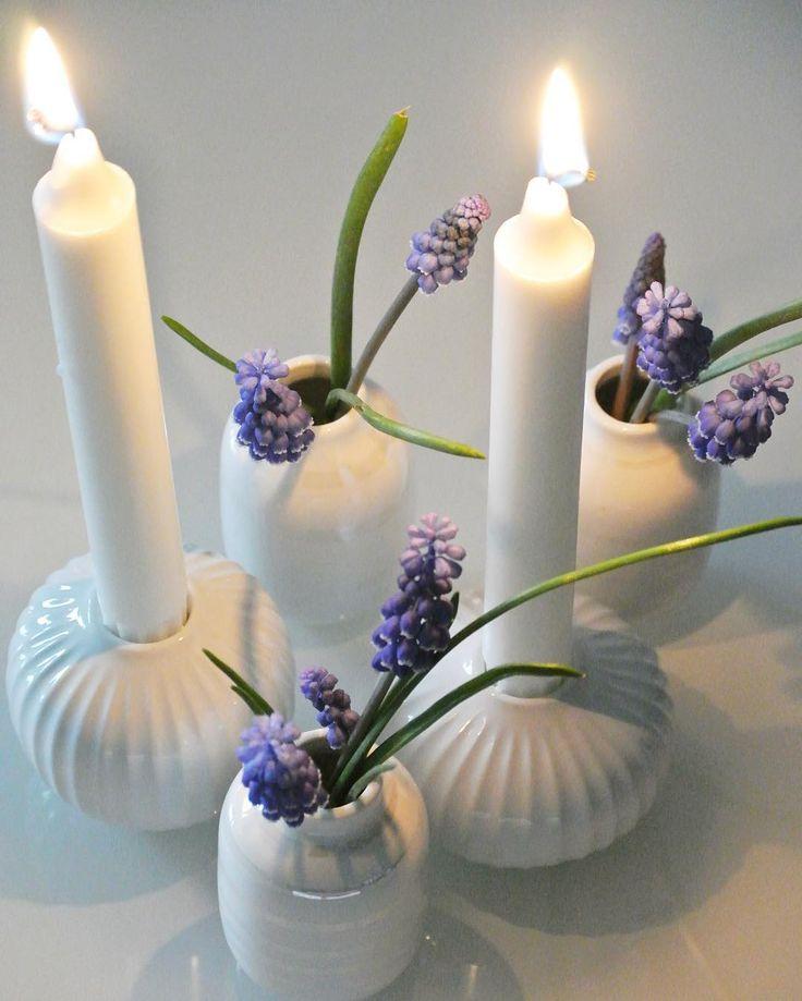 Hammershøi Kerzenhalter und Mini-Omaggio-Vasen in Pearl von Kähler