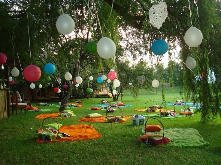 I Love This   What A Fantastic Way To Do A Garden Wedding With Picnic  Seating!
