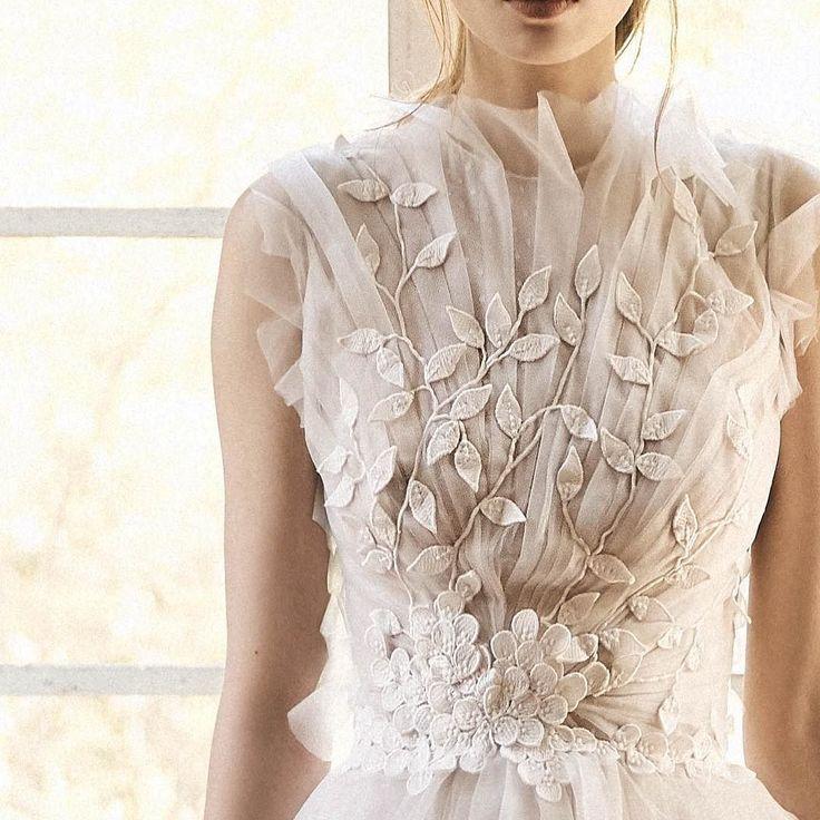 Spring 2018 #trunkshow @whitetoronto #costarellos #spring2018 #bridal #weddingdress #toronto #bride #details