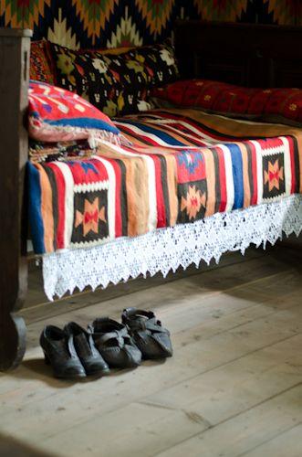 http://www.ulitarnica.ro/wp/muzeul-satului/