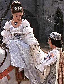 Aschenbroedel_Hochzeitskleid_Pferd.jpg (226×295)