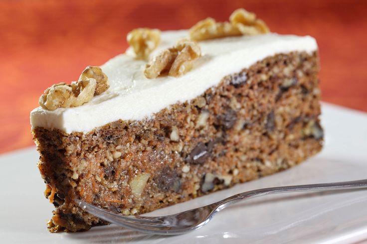 Deilig glutenfri gulrotkake, søtet med Cocosa sukker og Steviosa sukker. Full oppskrift: http://www.soma.no/oppskrifter/bakverk/steviosa-gulrotkake