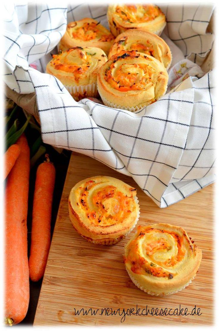 Quark-Schnecken mit Karotten und Frühlingszwiebeln